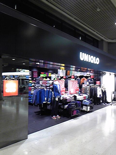 成田空港のユニクロ