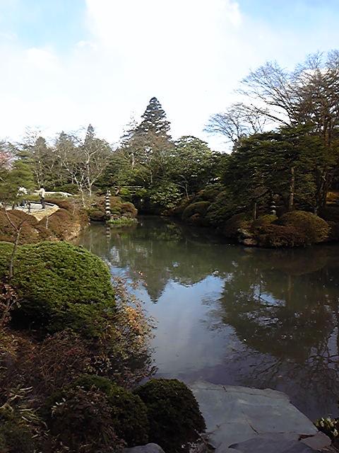 輪王寺の宝物館の庭園