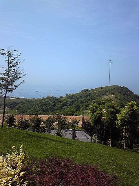 大連近郊の墓地からみた景色。